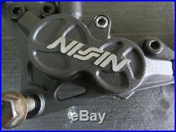 Suzuki Bandit Gsf1200 Nissin Front Brake Callipers + Ebc Pads 90mm Centres